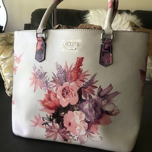 NEW Guess Floral Tote 🌸